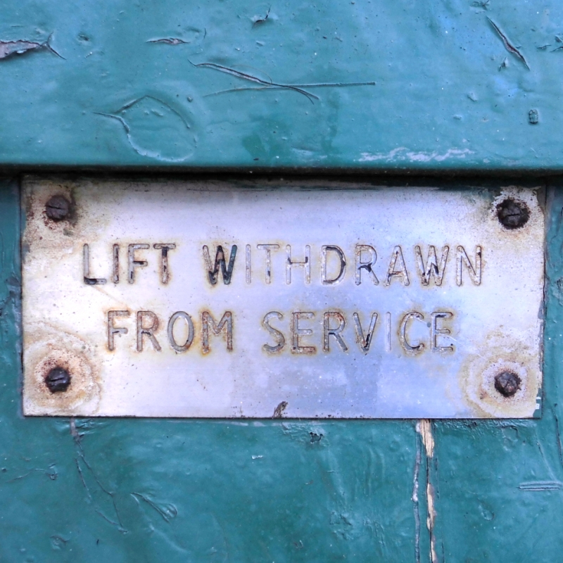 Lift withdrawn from service - Newcastle Tyne Bridge